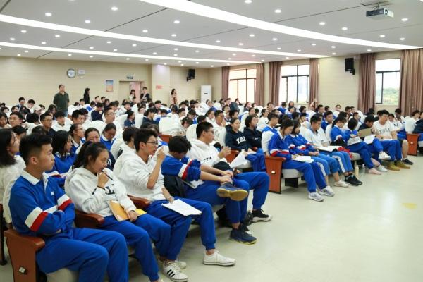 2018年组织开展青少年精神卫生宣传教育进校园.JPG